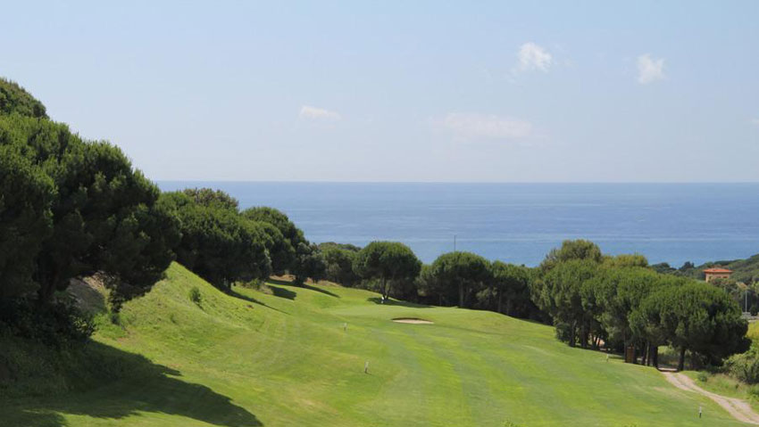 Golf-Sant-Vicenç-de-Montalt at 6km from the house